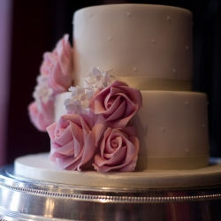 Two tier cake, bijou, roses, wedding cakes, pink roses, ribbons