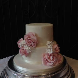 Two tier cake, roses, wedding cake