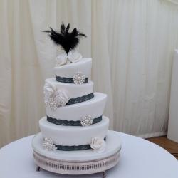 Topsy turvy cake, gatsby, detail, cake