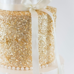 Gold detail, wedding cake, ribbon, bow, detail