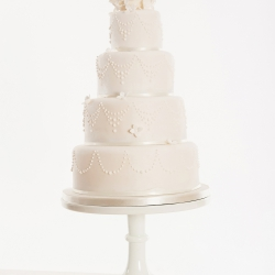 Four tier cake, all white, hydrangea, kissing ball, wedding cake