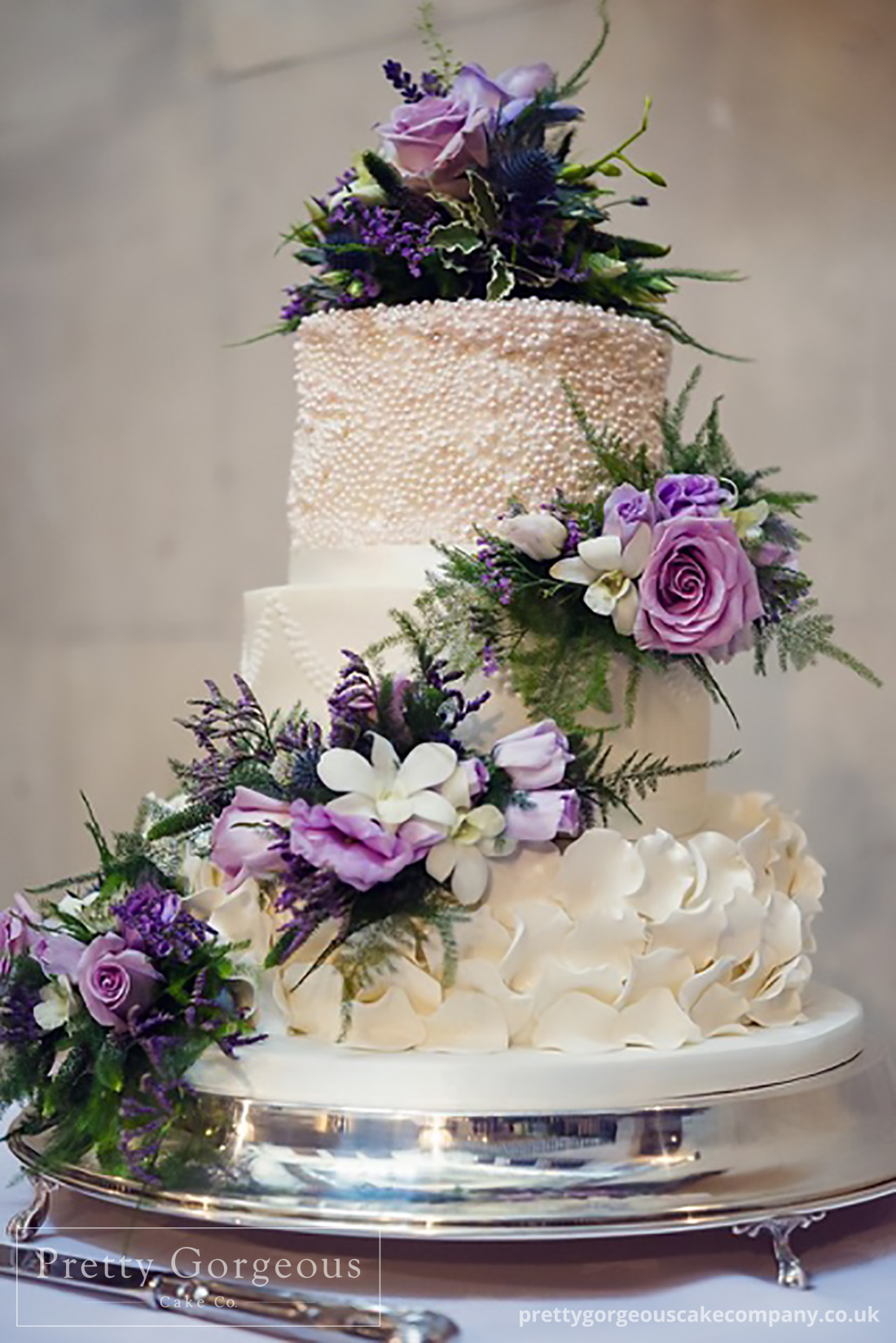 Three tier cake, detailing, wedding cake