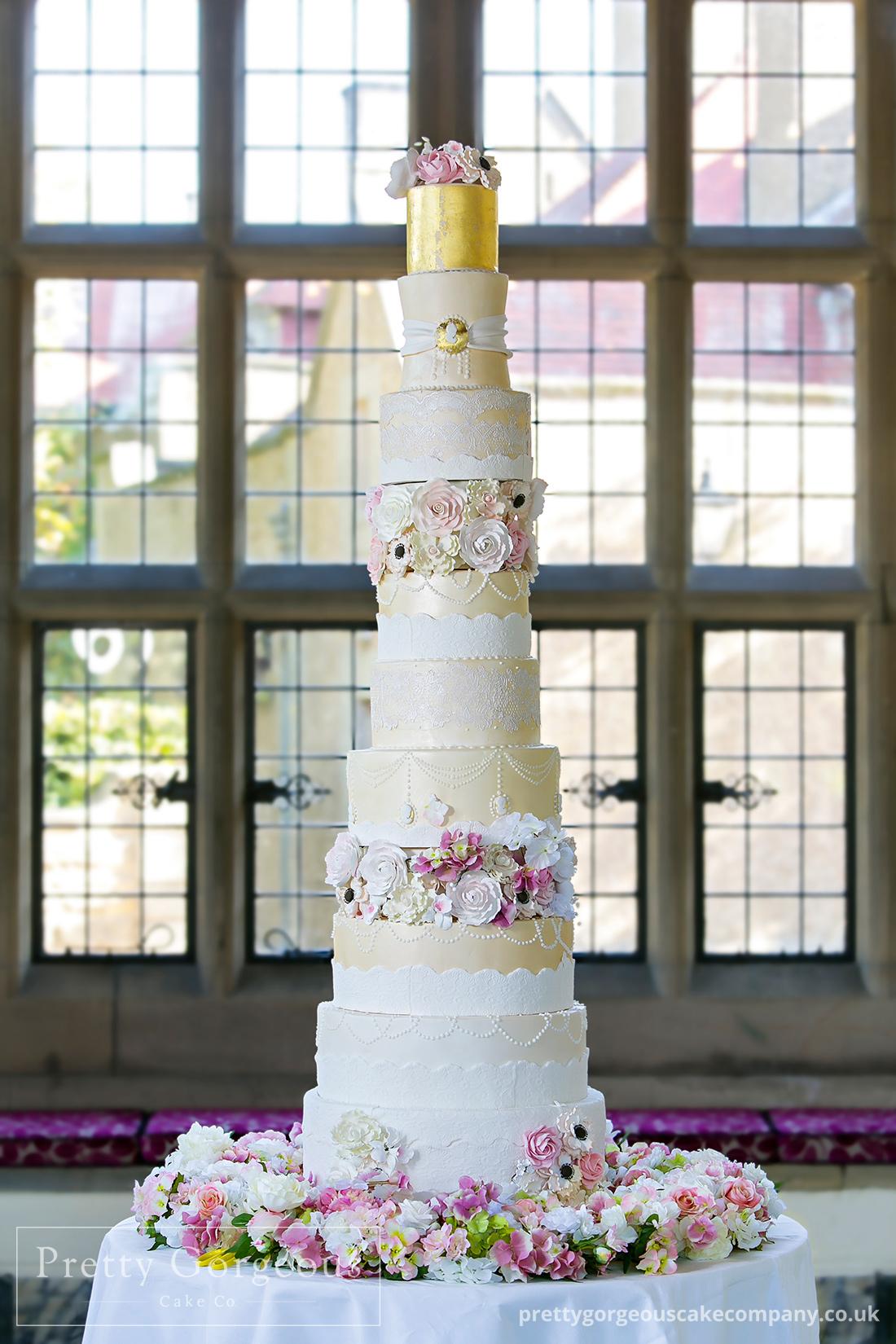 grand wedding cake, extra tall wedding cake, Wedding cake, detail, tiers, gold, photography