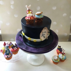 alice-wonderland-cake