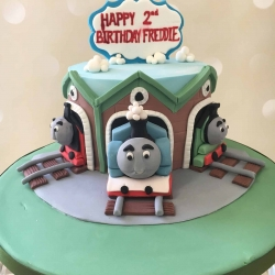 thomaz-tank-engine-cake