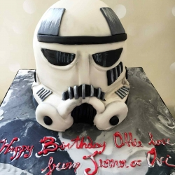 tropper-helmet-cake-star-wars